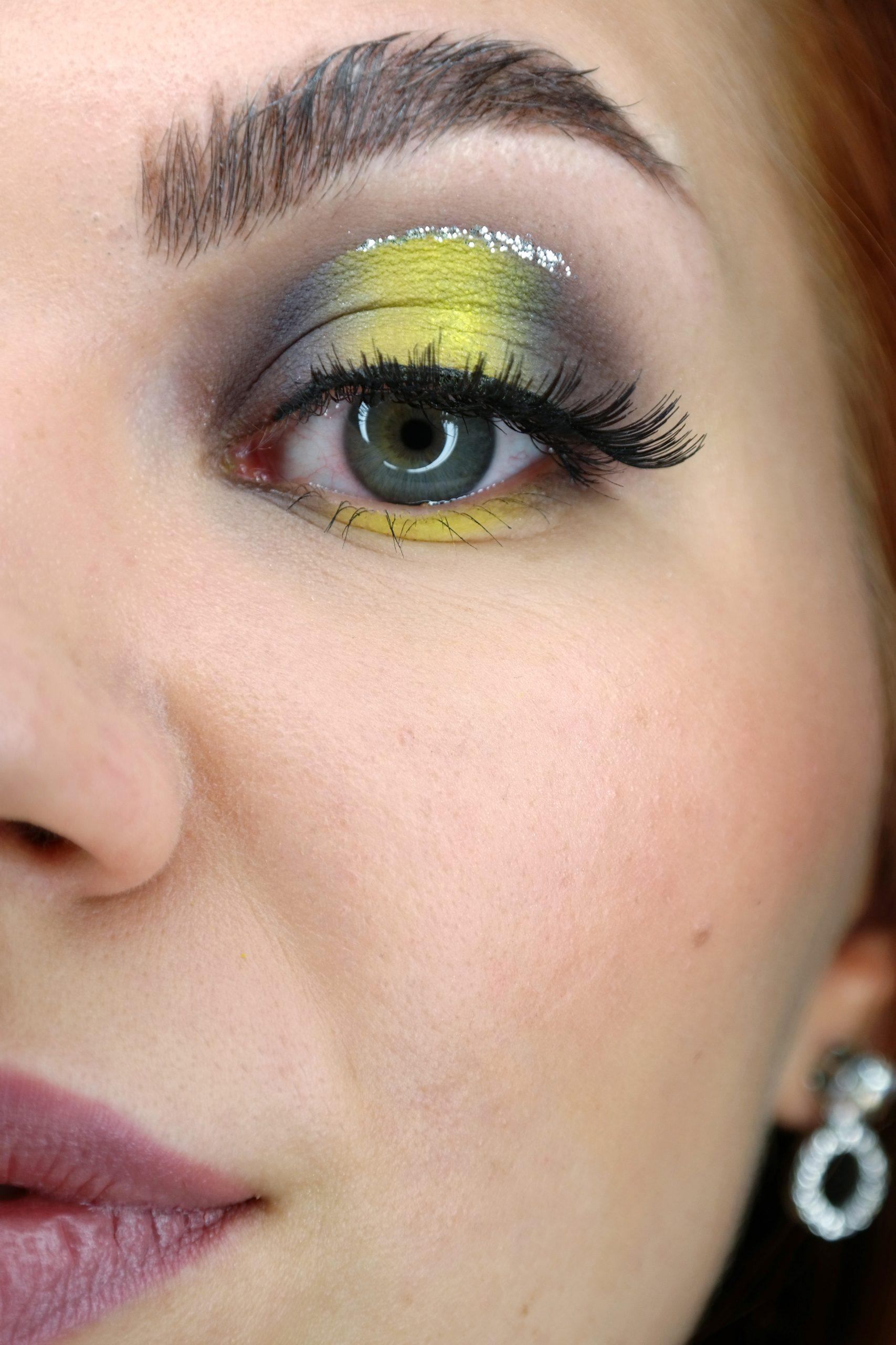 keltainen silmämeikki