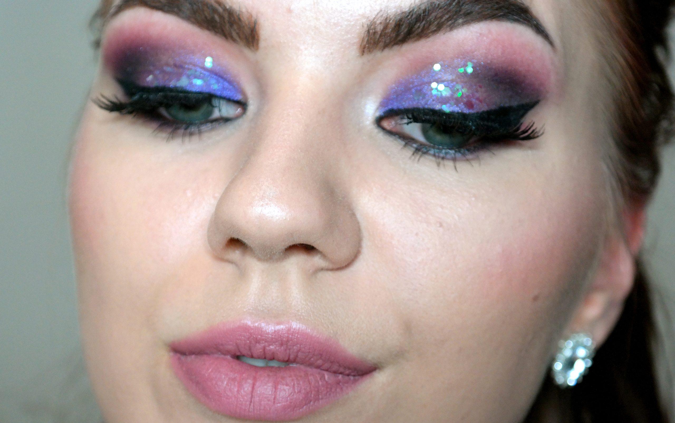 violetti glitter meikki