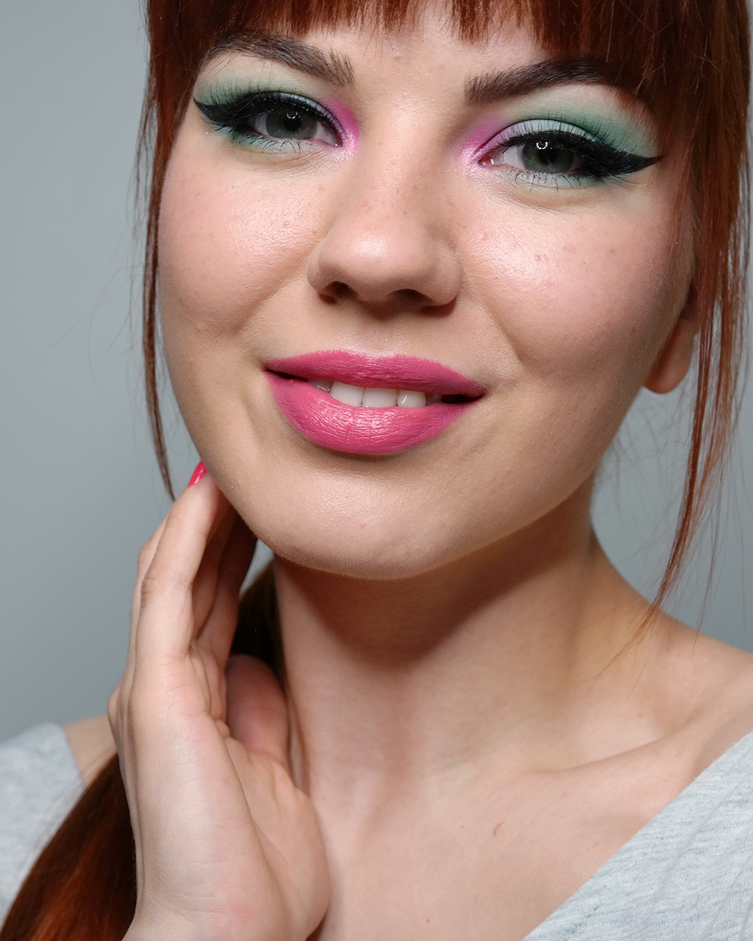 sinipinkki meikki